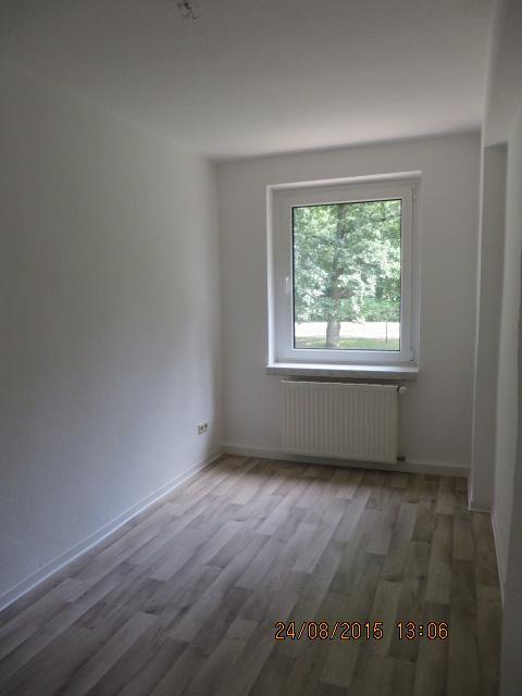 2254_0102 Zimmer 3