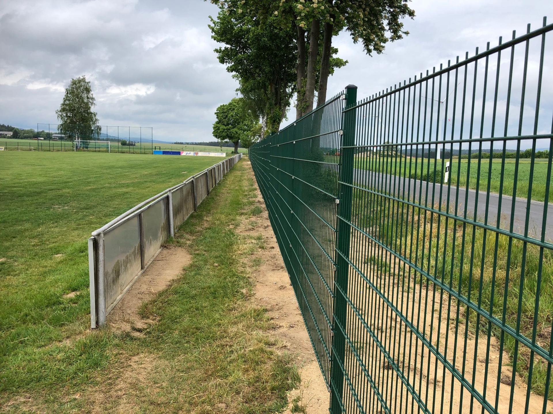 Der neue Zaun