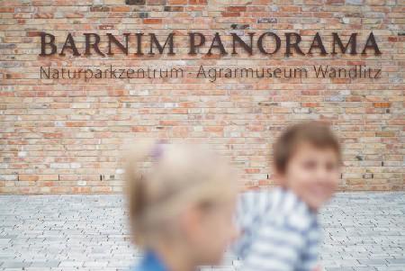 Barnim Panorama, Fassade Schriftzug, Foto: S. Heise k