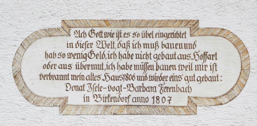 55d-flügel-hausinschrift