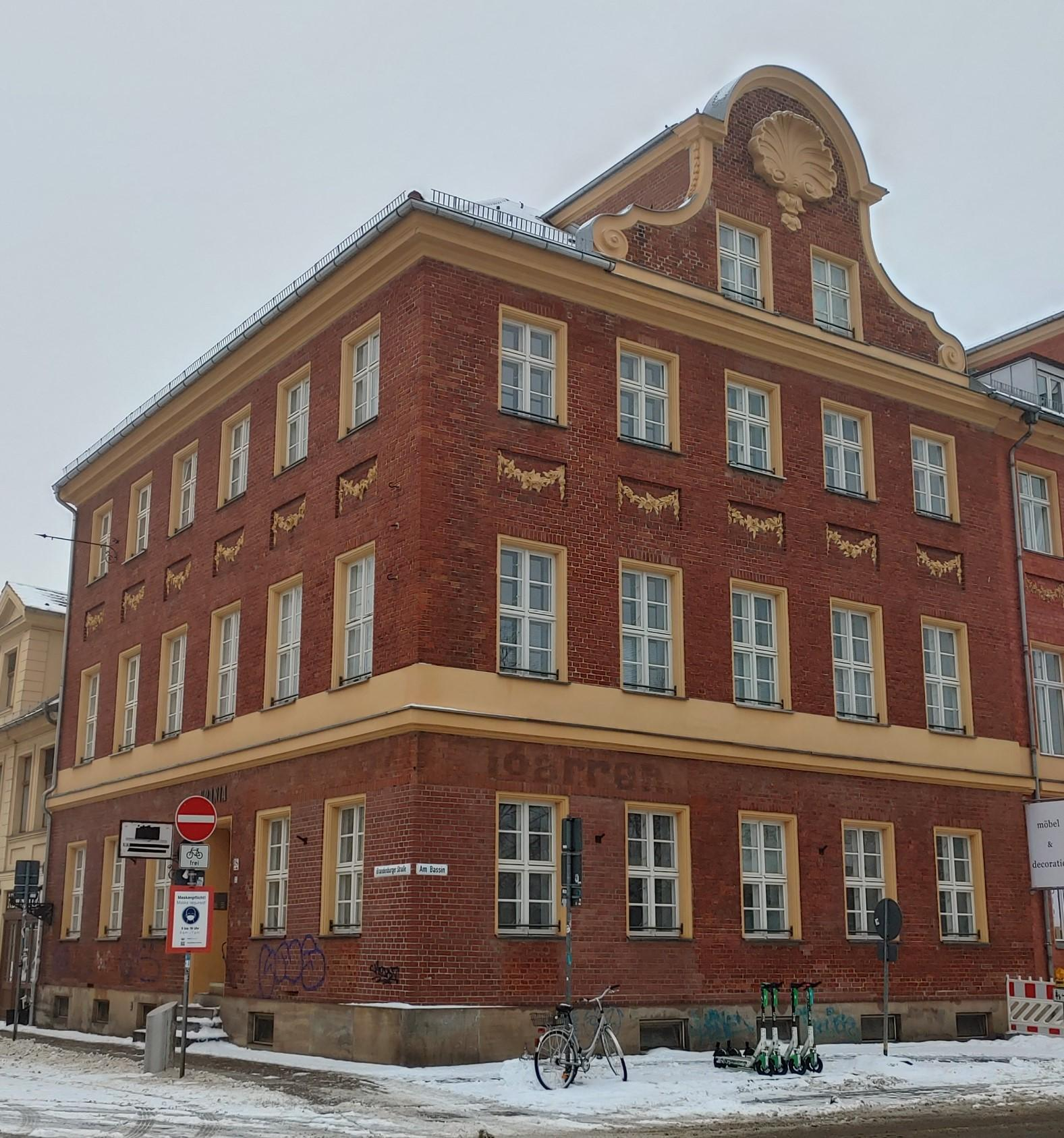 Das URANIA-Haus Brandenburger Str. 38