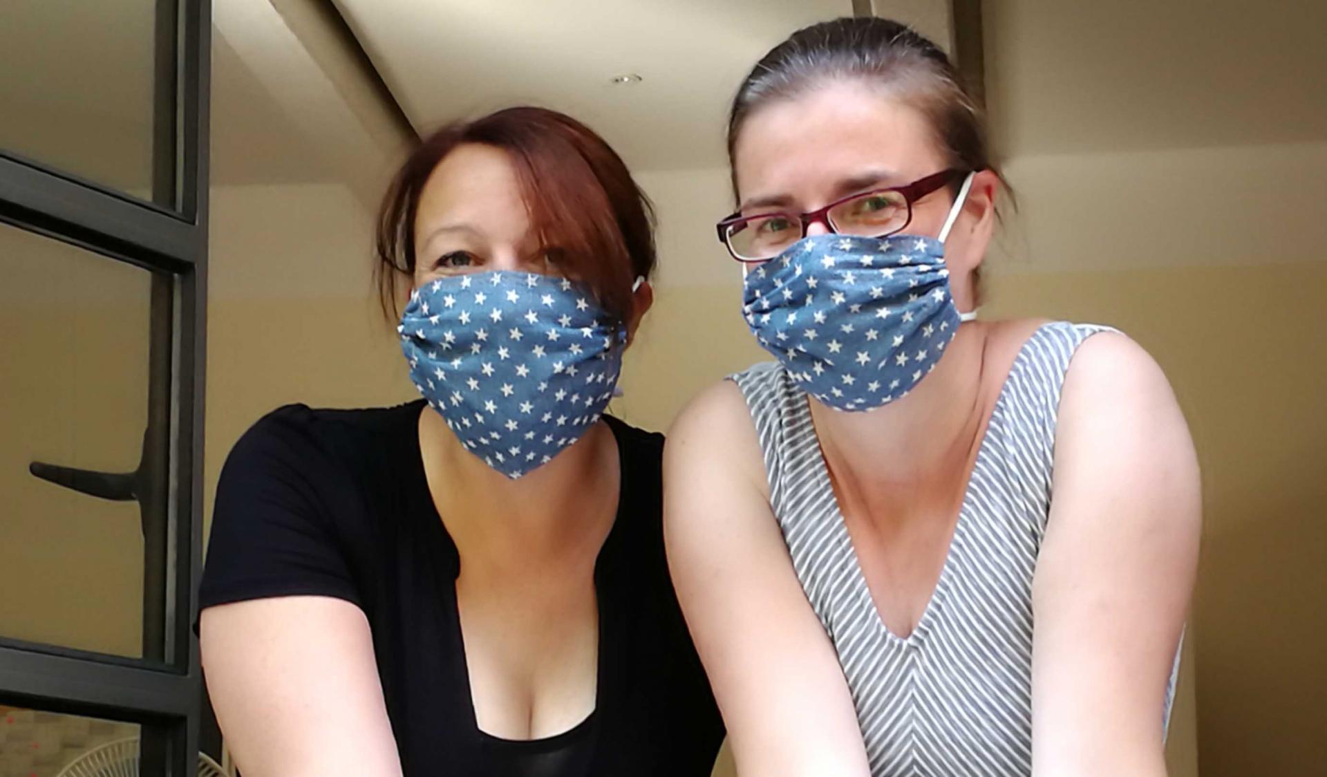 URANIA mit Maske