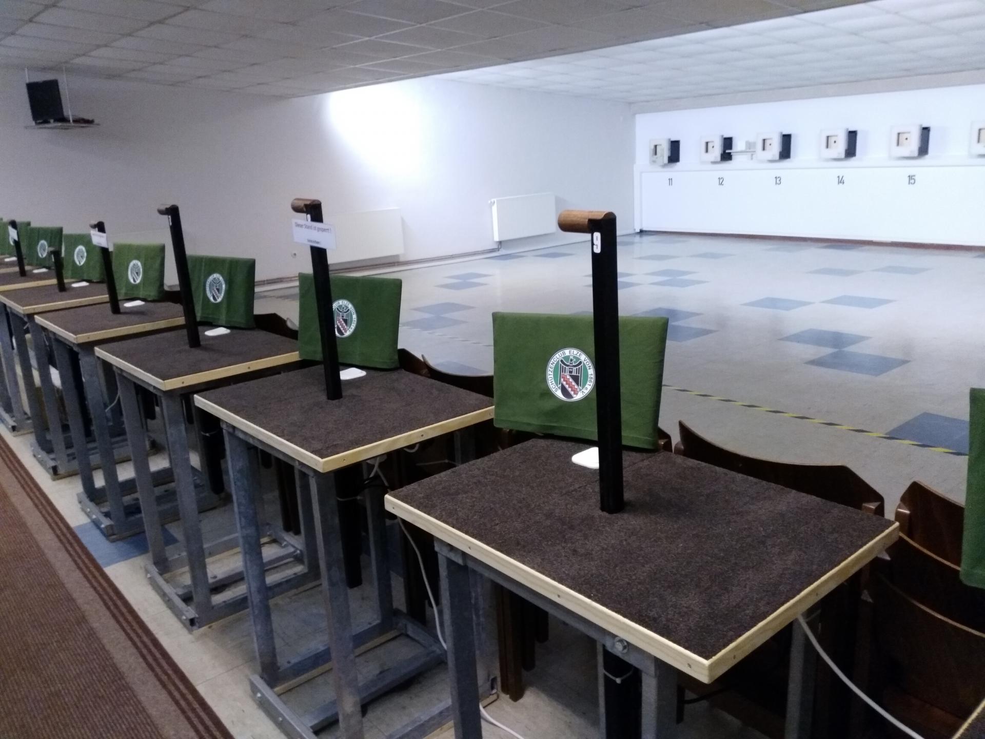 Tische LG Halle neu-2