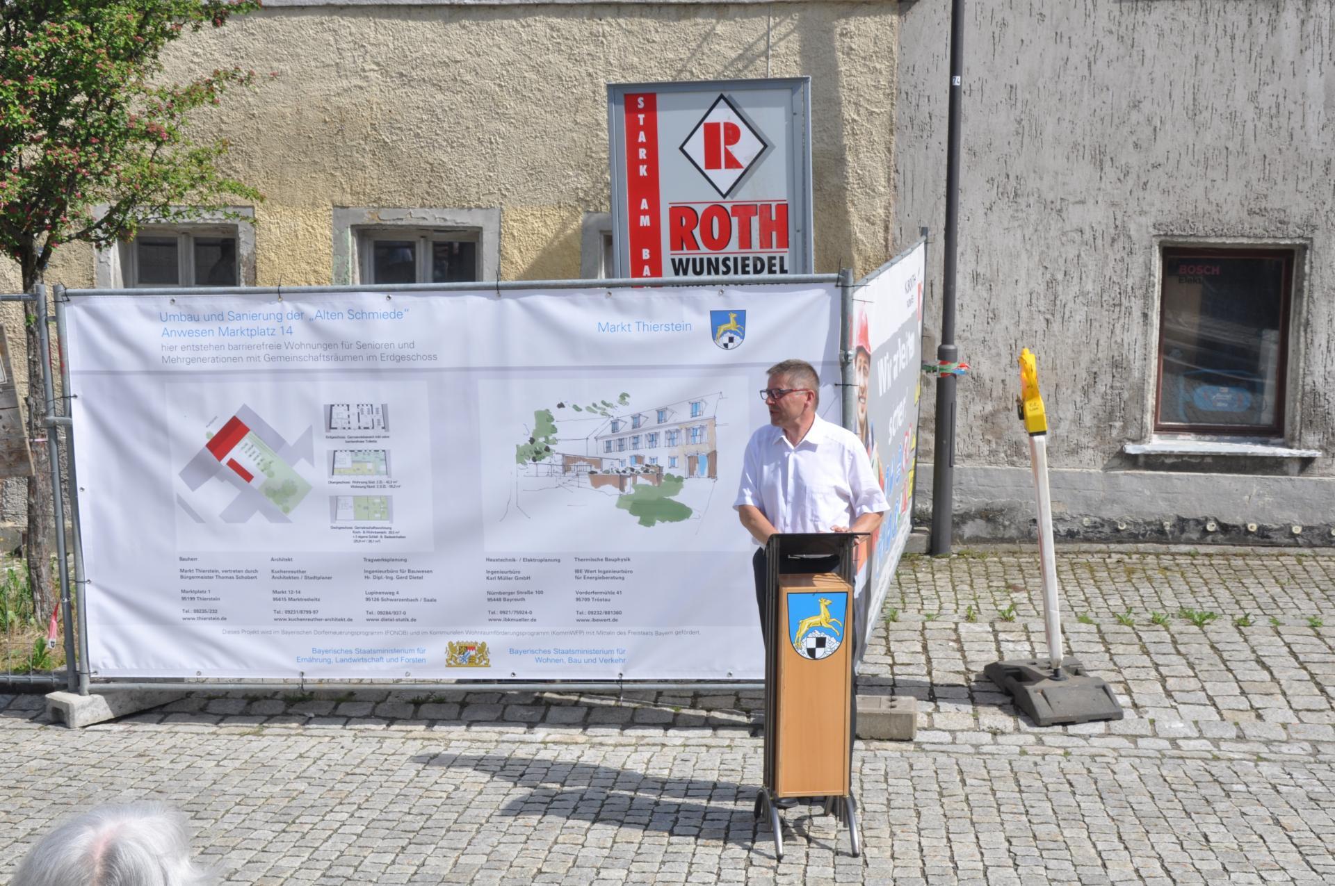 Begrüßung der Gäste durch Bürgermeister Schobert