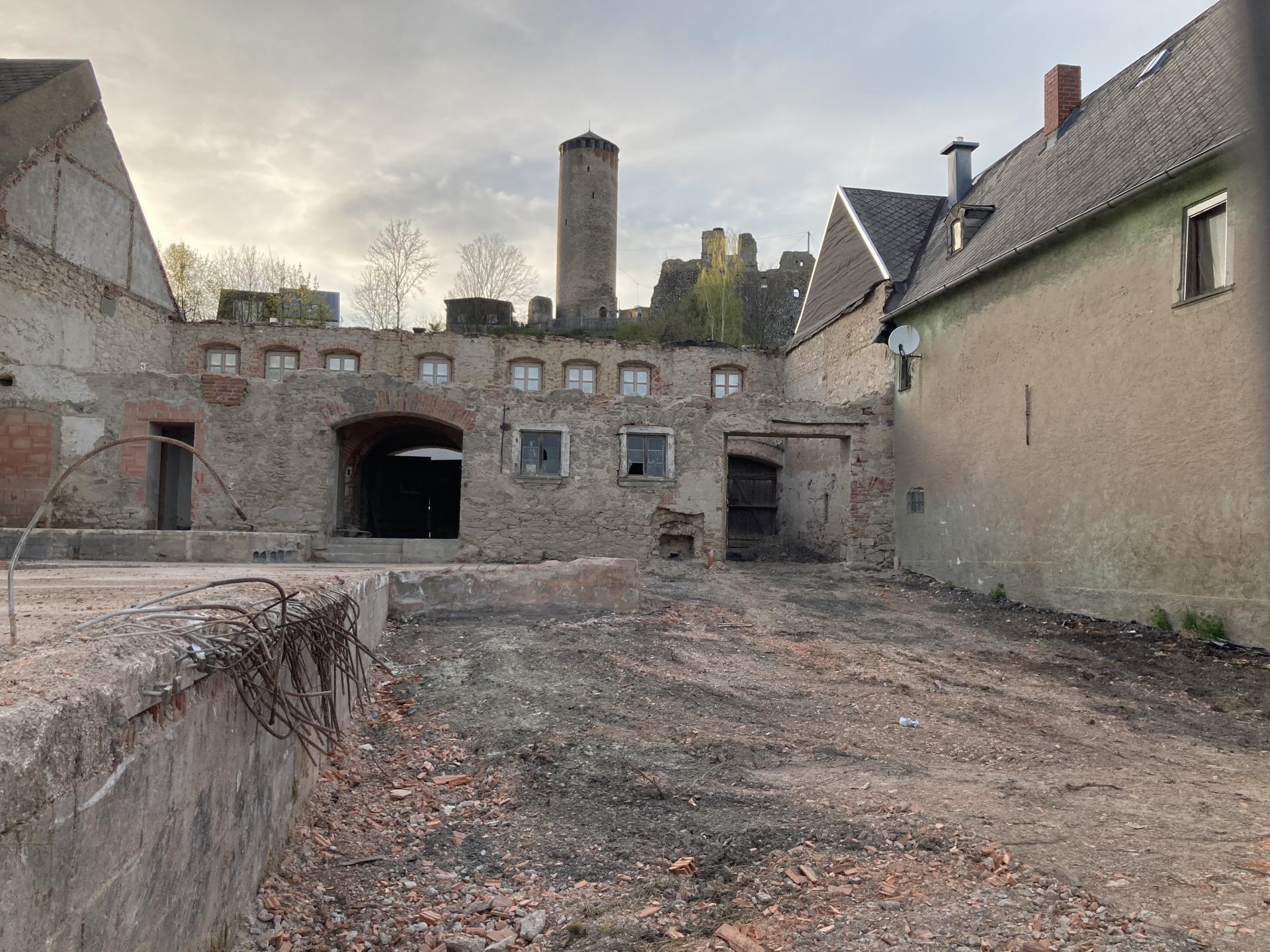 Rückansicht Alte Schmiede nach Dachabriss