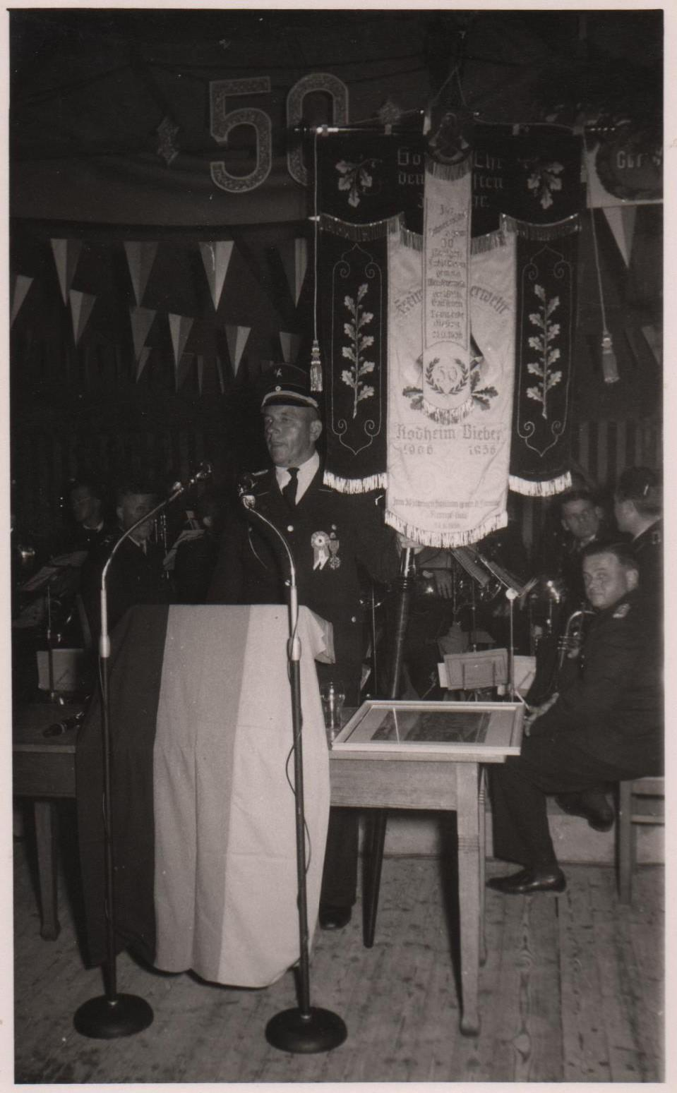 Fahnenübergabe 1956