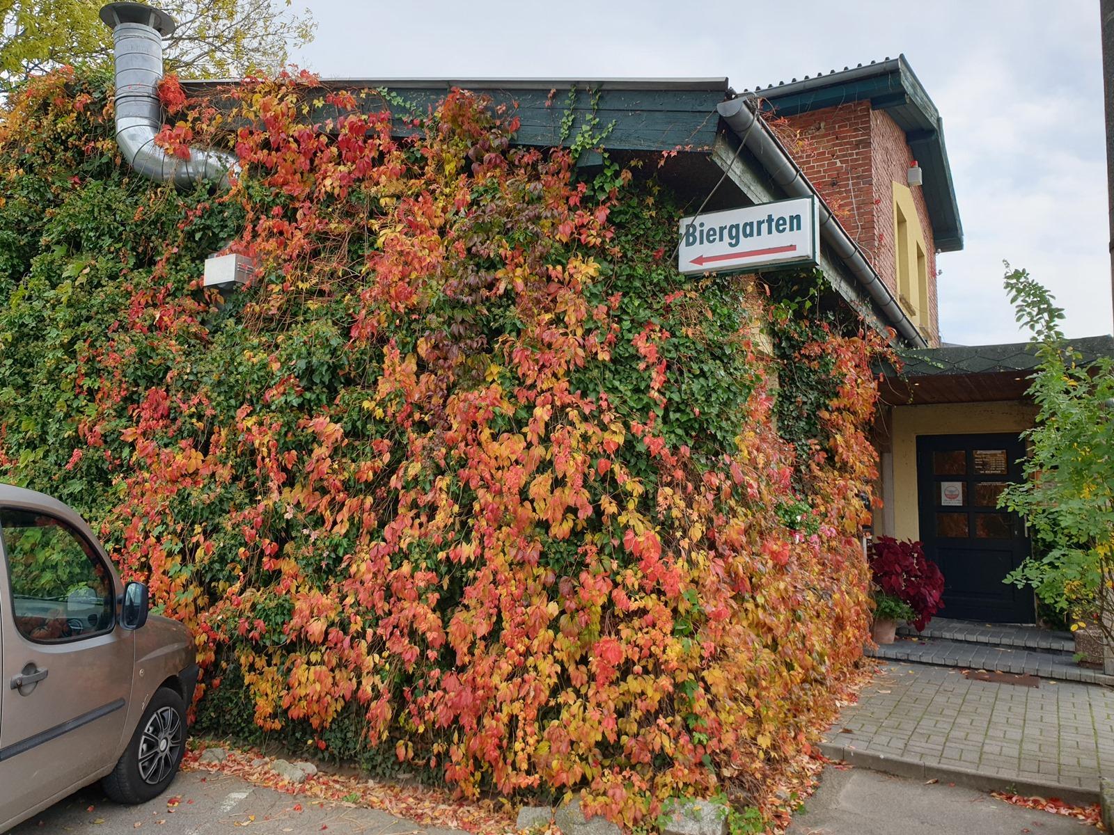 Unsere Herbstfassade