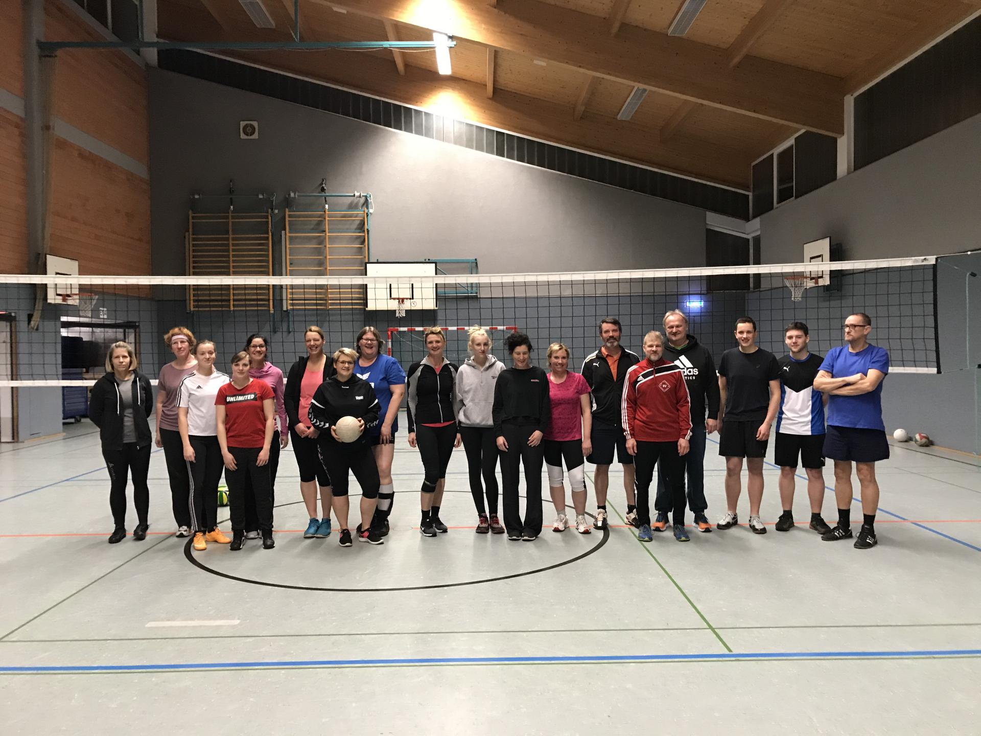 Gruppenfoto Mixed-Volleyball