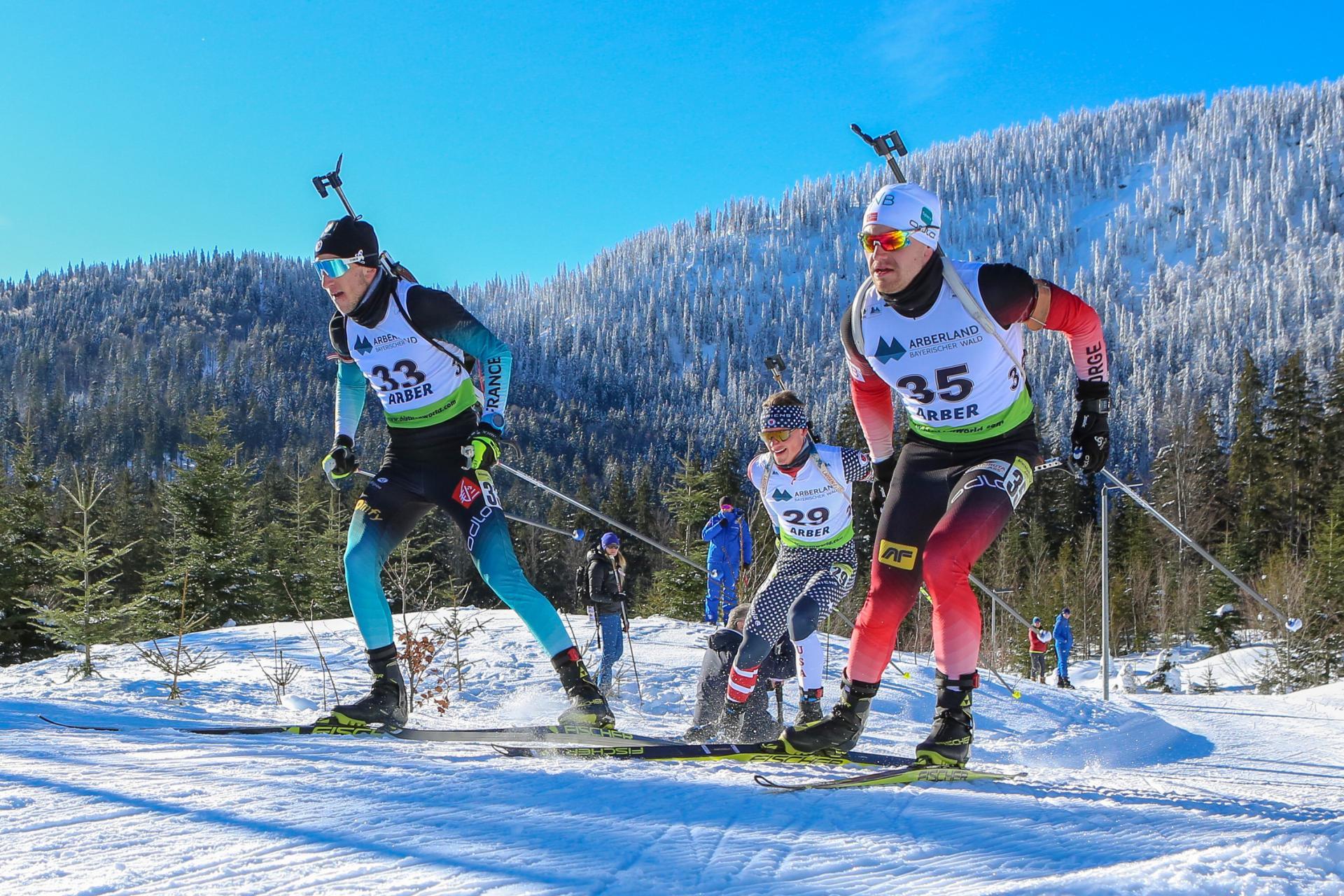 Athleten des IBU CUP Biathlon in Bayerisch Eisenstein