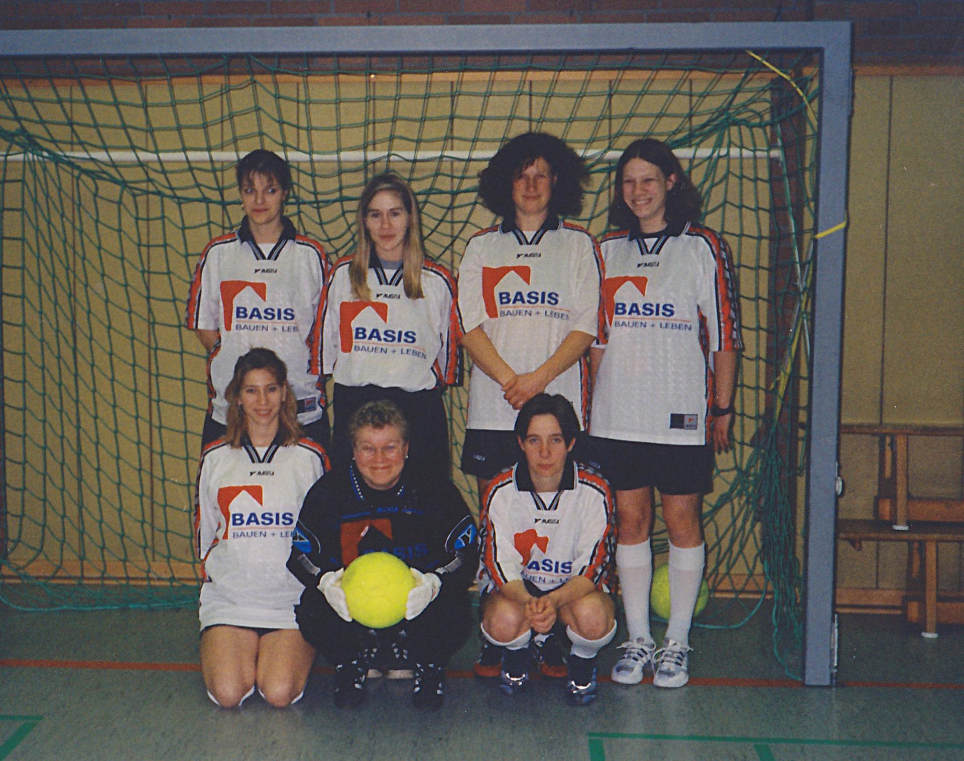 Unsere Damenmannschaft des Jahres 2000