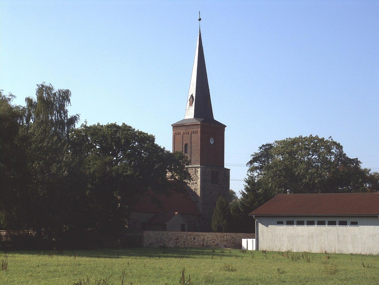 Eiche Dorfkirche