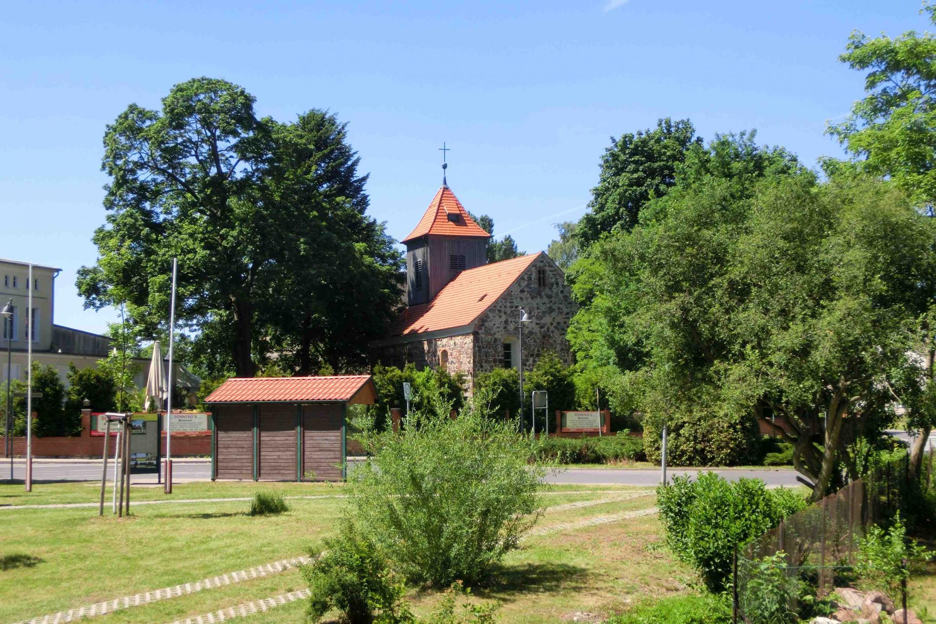 Mehrow Kirche