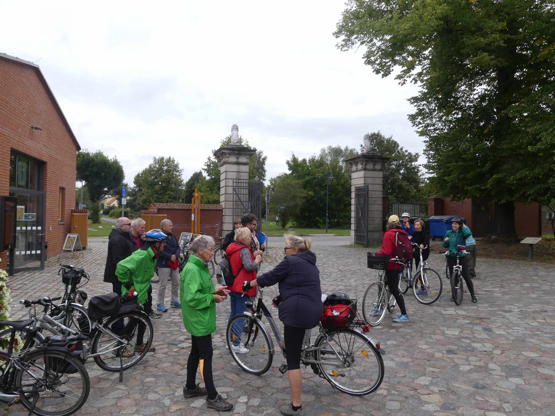 Ankunft im Schlossgut Altlandsberg