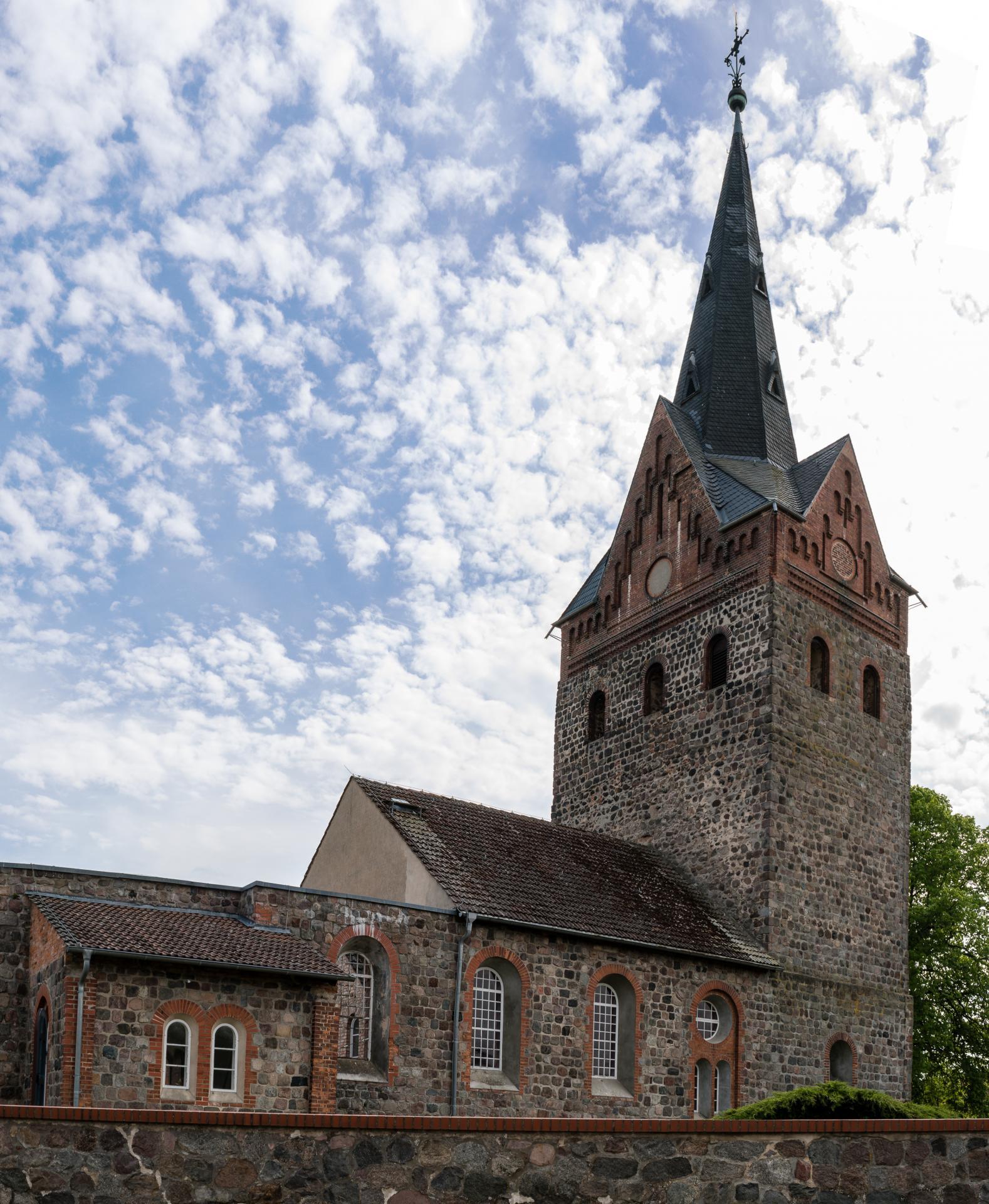 Schönfeld Kirche
