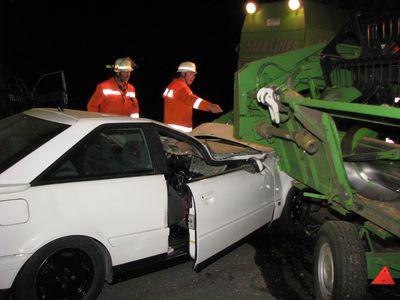 06.08.2010 - Straßenreinigung nach Verkehrsunfall