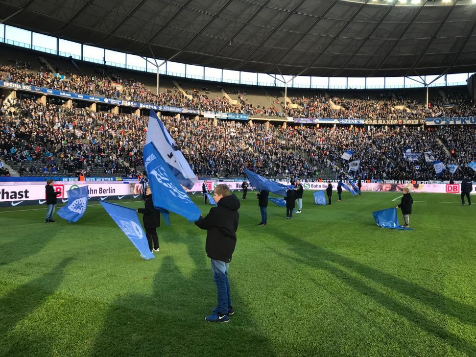 Spalier- und Fahnenkinder der Rolandschule im Berliner Olypiastadion_Citypress_08.02.2020 (2)