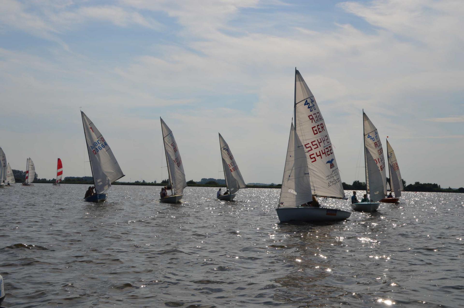 Boote auf dem Großen Meer