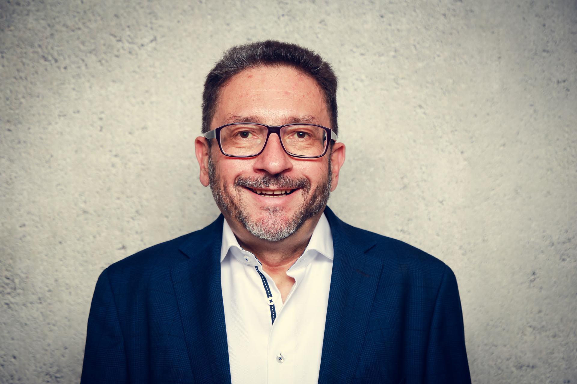 Dr. Klaus Batz