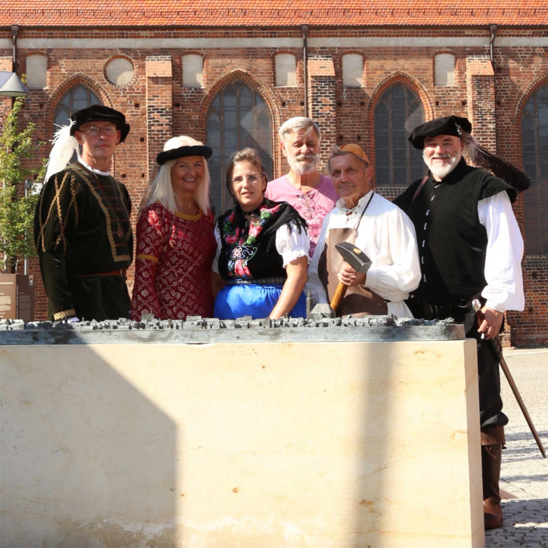 Stadtführer vorm Mönchenkloster