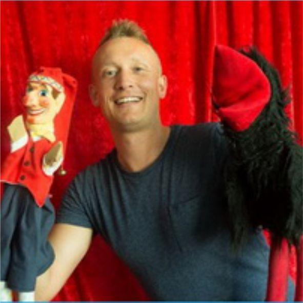 Michael Henne - Der Puppenpalast