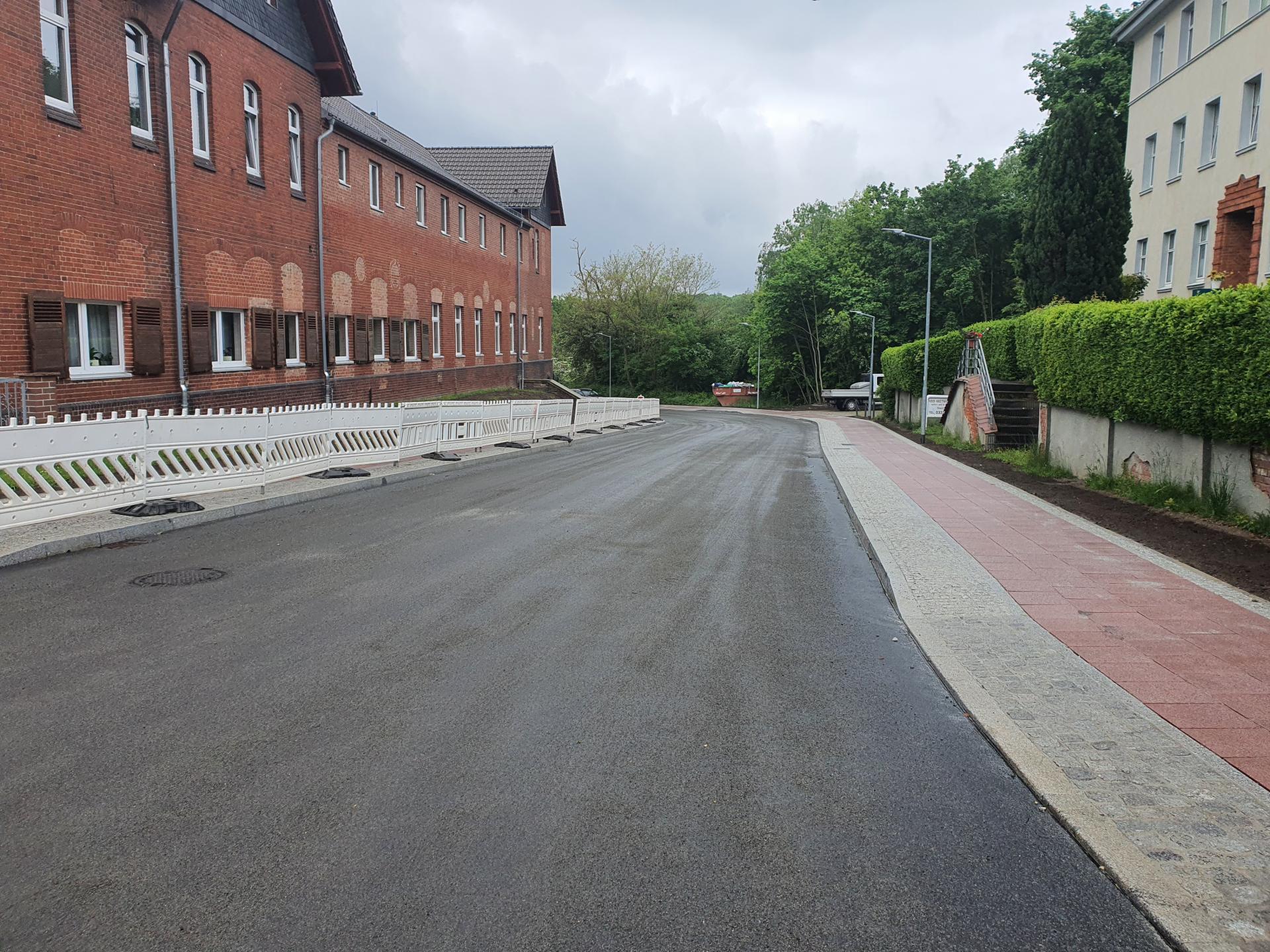 Fertige Parkstraße Juni 2021