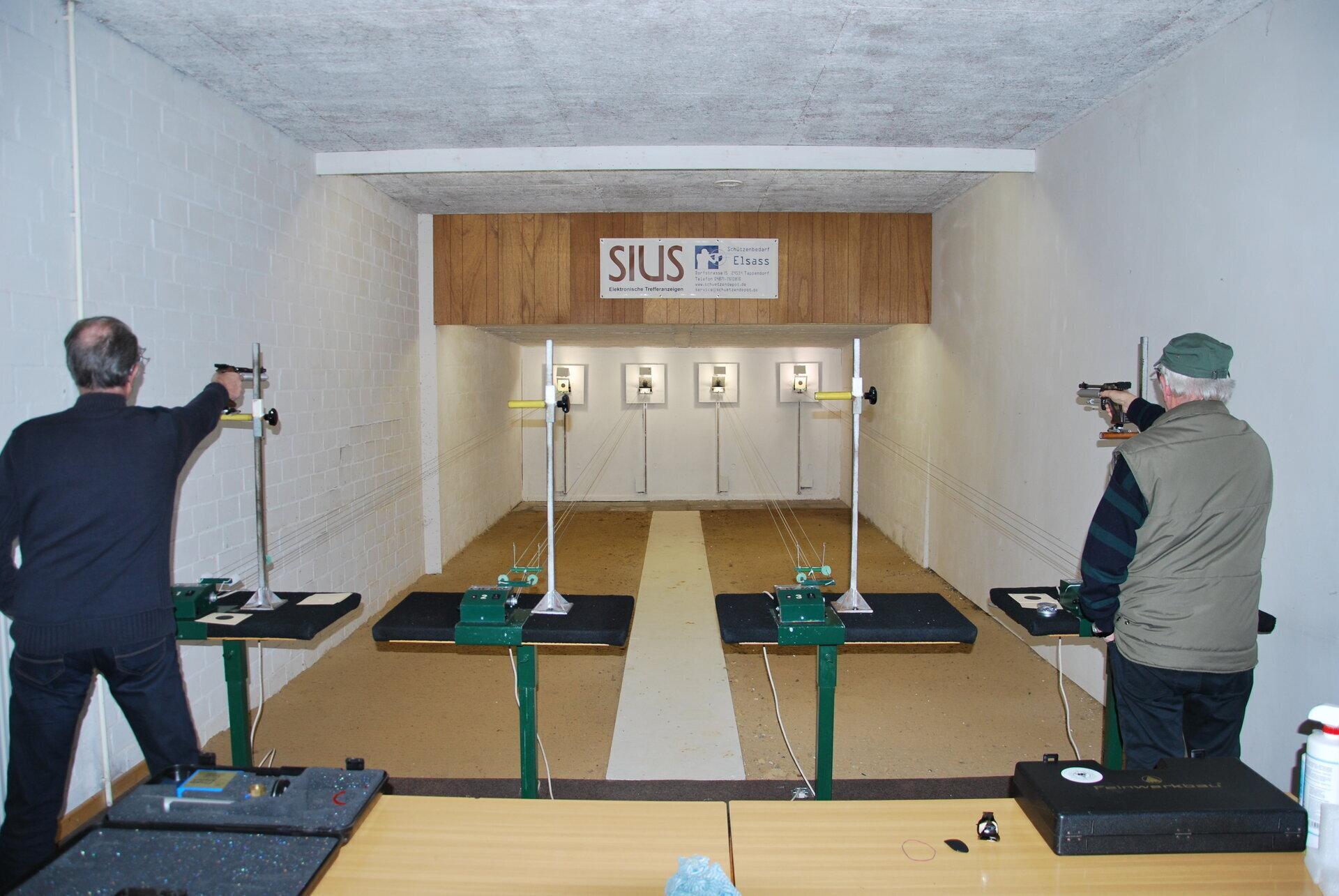 8 Luftgewehrstände 10 m 2