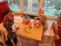 Kinder beim konstruieren