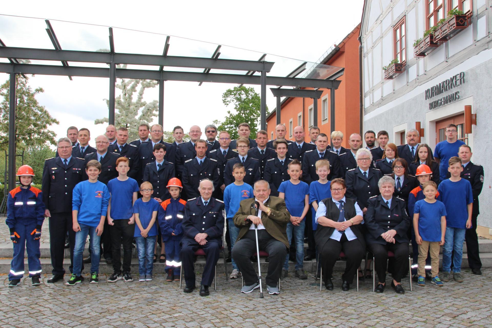 Gruppenfoto Fw Großräschen-Nord 90 Jahre Fw