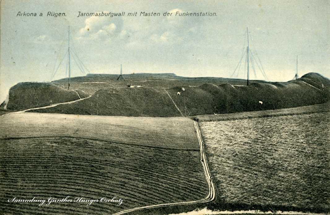 Arkona a. Rügen Jaromasburgwall mit Masten der Funkstation