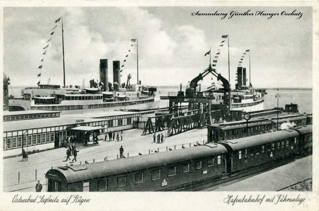 Ostseebad Saßnitz auf Rügen Hafenbahnhof mit Fähranlage