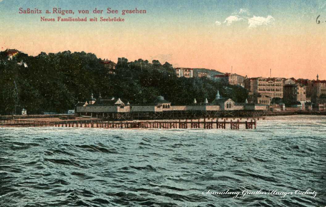 Sassnitz a. Rügen  von der See gesehen Neues Familienbad mit Seebrücke