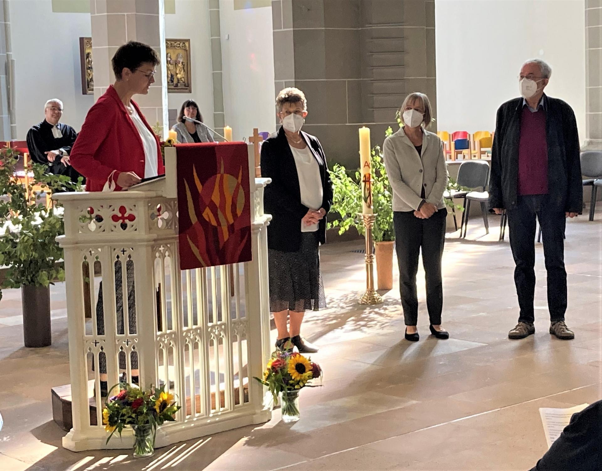 Dank von Birgit Möller-Kühn an den Förderverein mit Hannelore Otte, Meike Menkens und Rudolf Grote