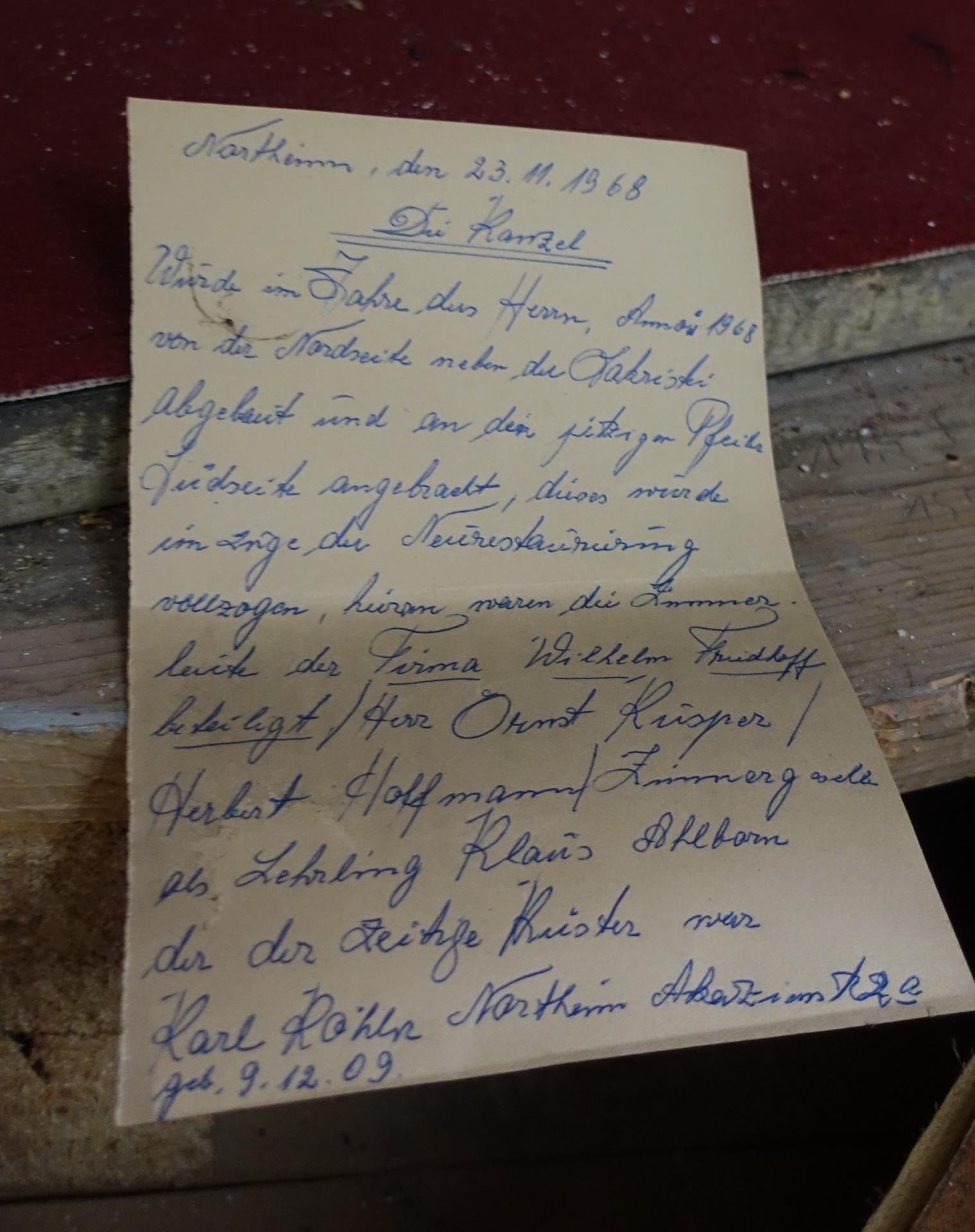 Notiz von 1968 in der Kanzel versteckt