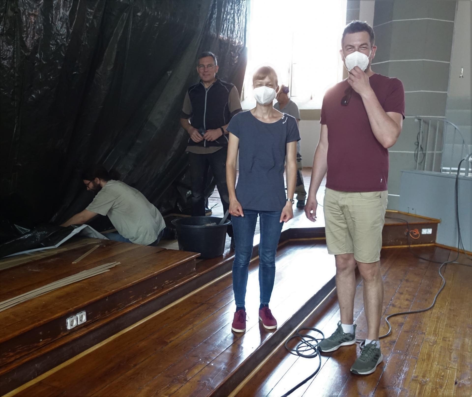 Immer, wenn das Handwerk in die Nähe der Orgel kamen, waren Meike Davids und Benjamin Dippel zur Stelle.