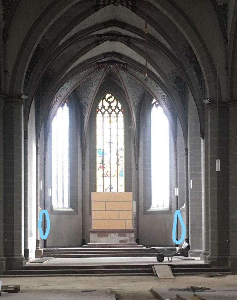 Das Bild zeigt den Ort der Lautsprecher im Chorraum