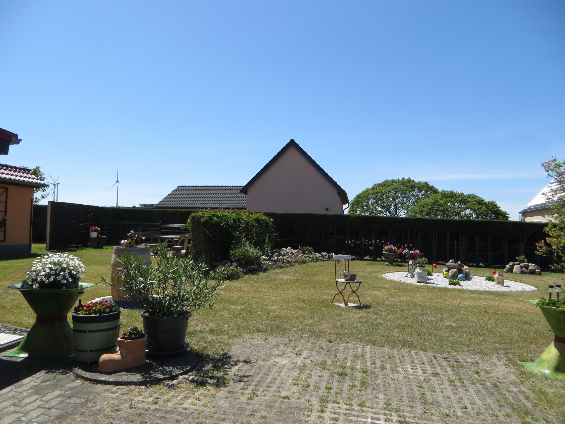 Blick auf dem Garten  Foto: Info Punkt Lebus