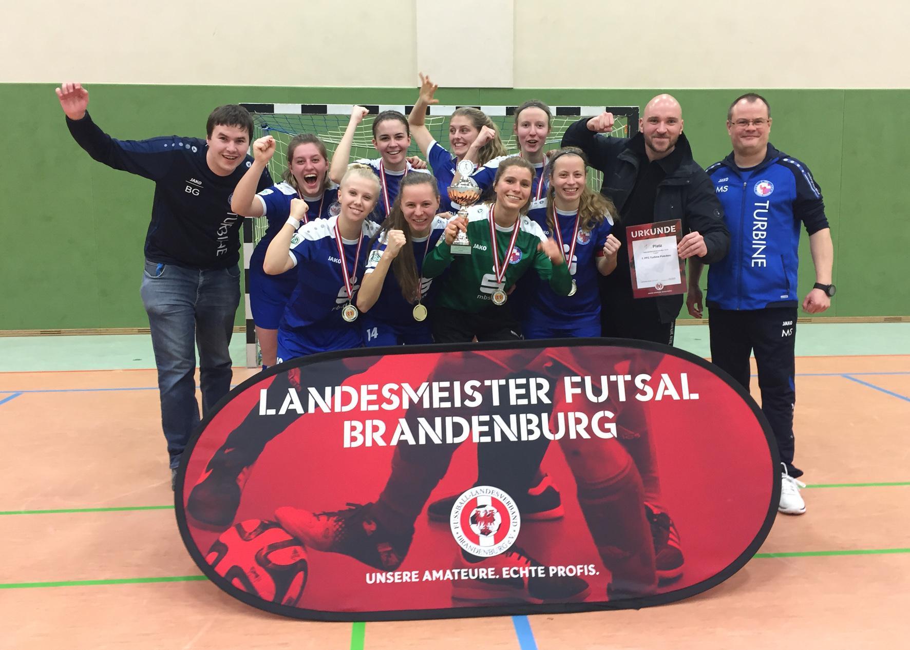 Meister in der Halle: die Frauen des 1. FFC Turbine Potsdam 71.
