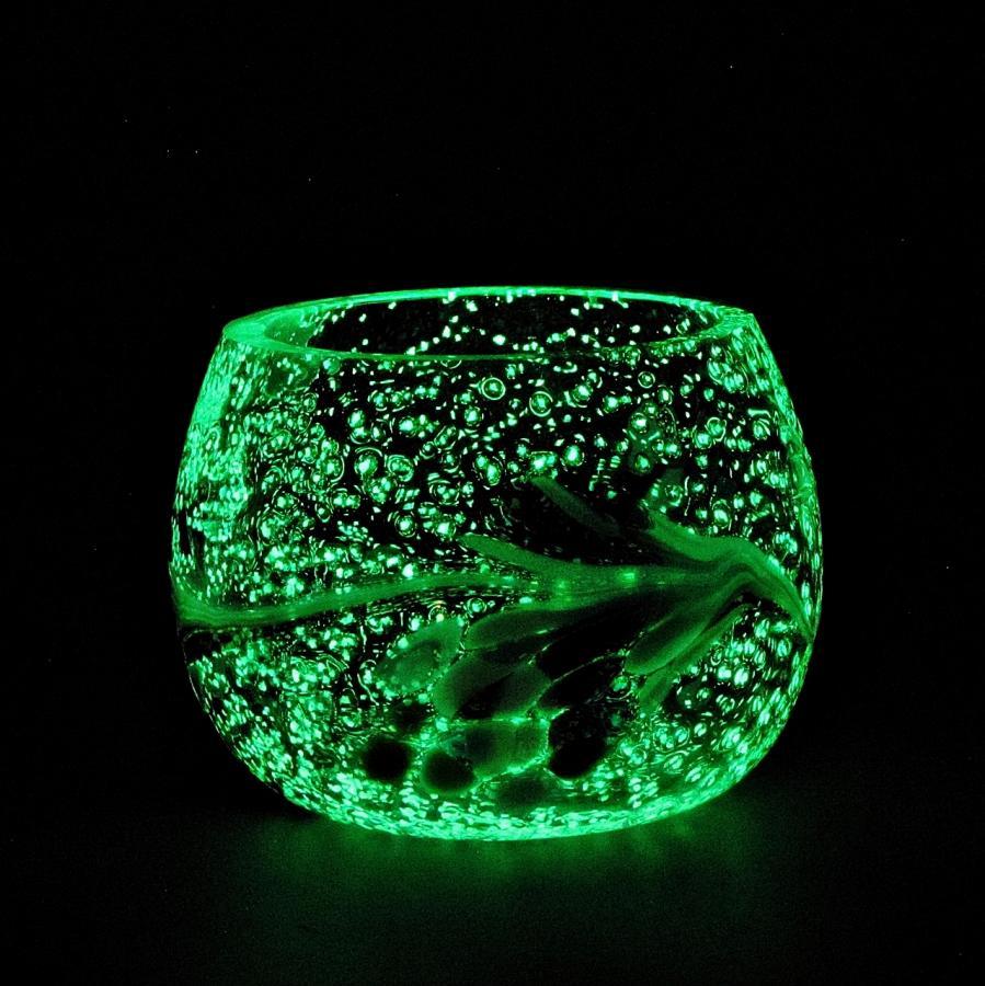Teelicht Grün-Lumi Lilamischung im dunkeln 1