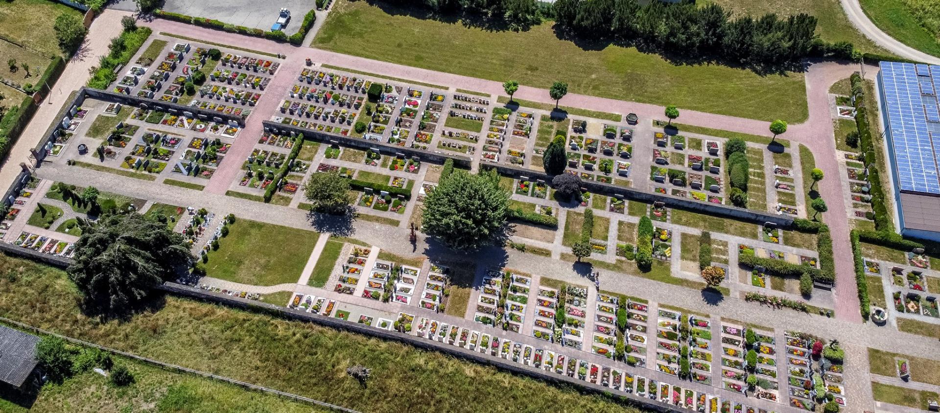 Friedhof - Luftbild