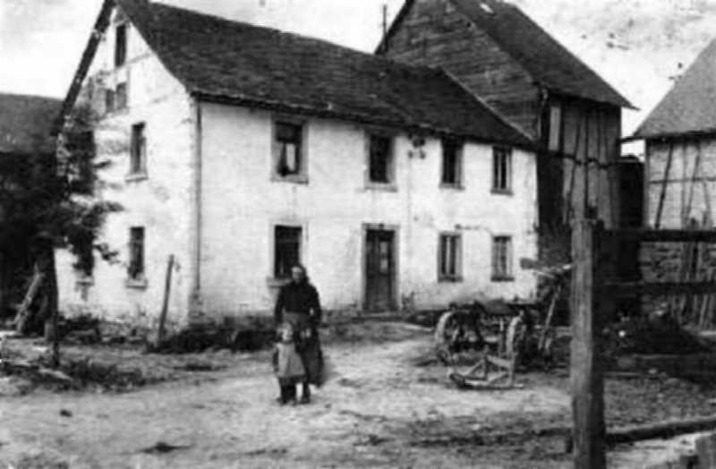 """Haus Nr. 40: """"Äwats"""""""
