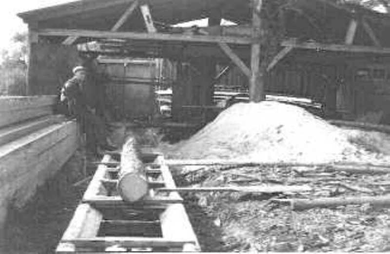 Das Sägegatter aus der Ravensmühle seit 1950 im Einsatz bei der Schreinerei Ketter