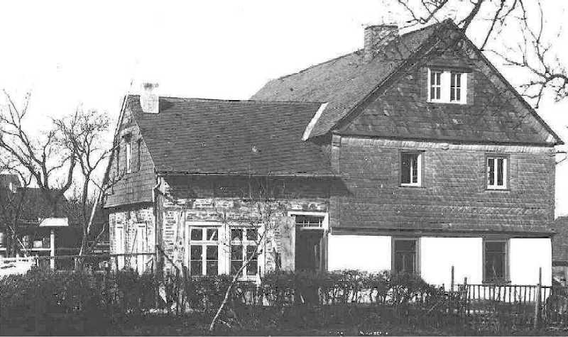 Wohnhaus und Schreinerei vor 1921