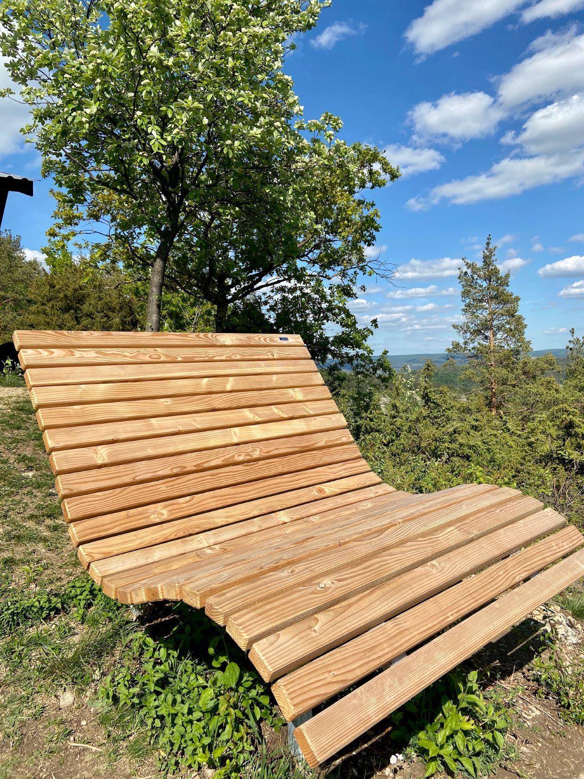 Neues Sonnensofa am Wisch bei Creuzburg – Entspannen im Naturpark bei traumhafter Kulisse