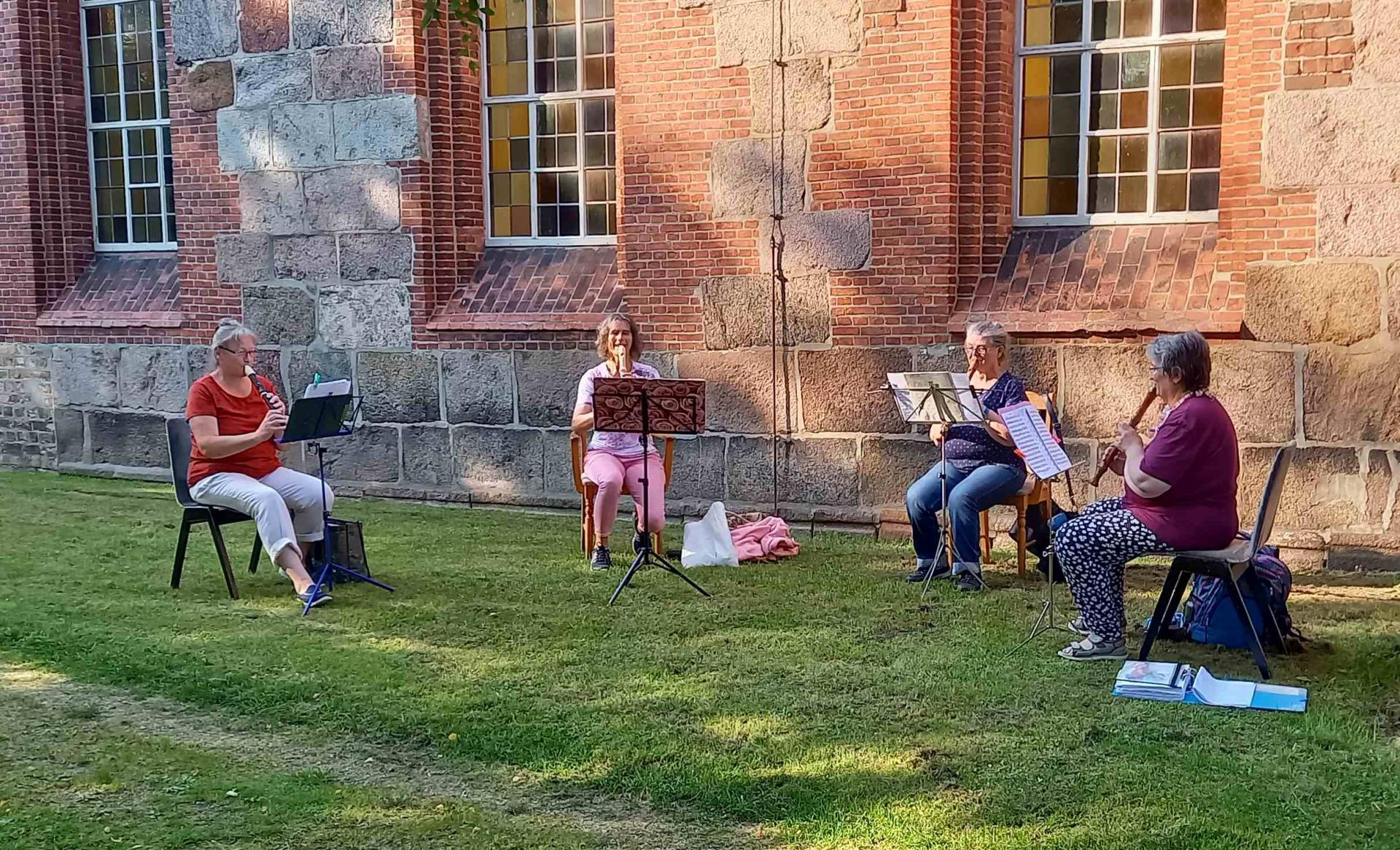 Flöten im Freien