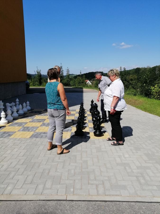 Schach Schulhof