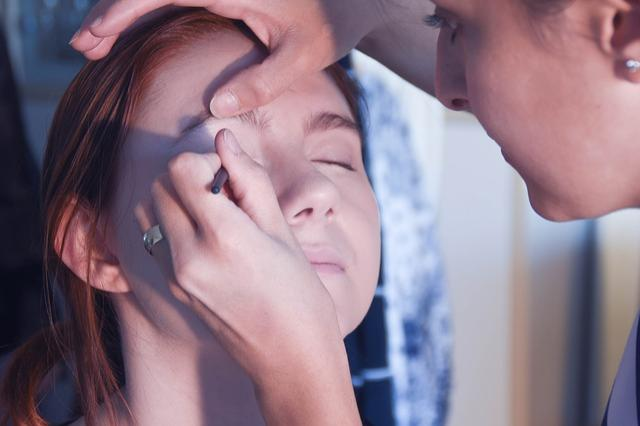 make-up-3766439_640