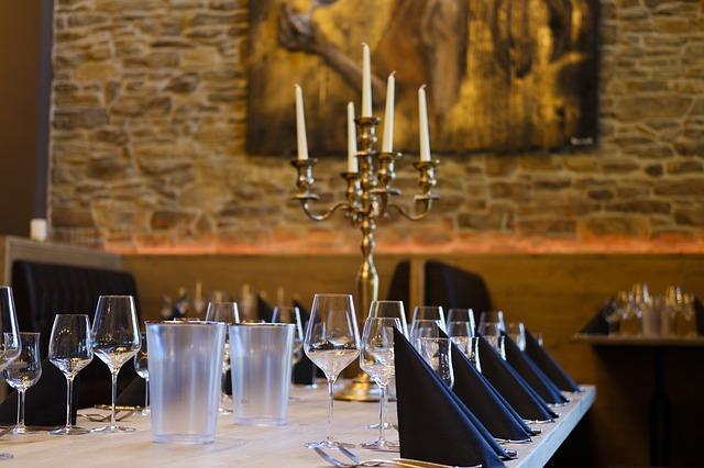 restaurant-3489374_640