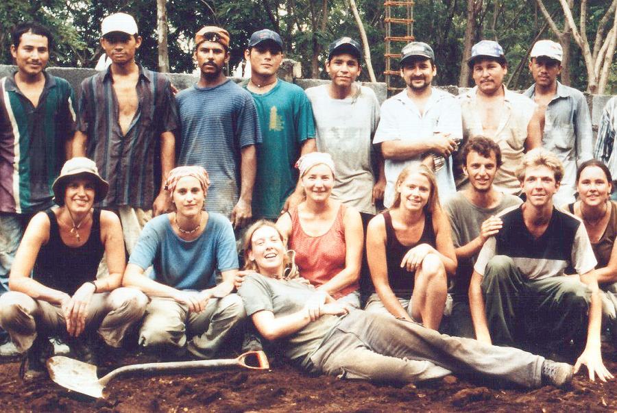 BrigadistInnen und Nica-Arbeiter_1999