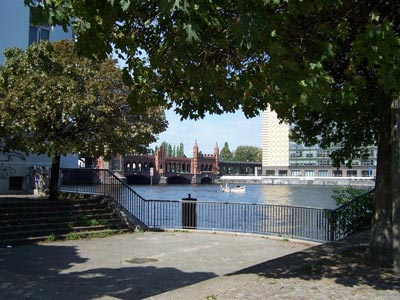 Plaza-mit-Oberbaumbrücke