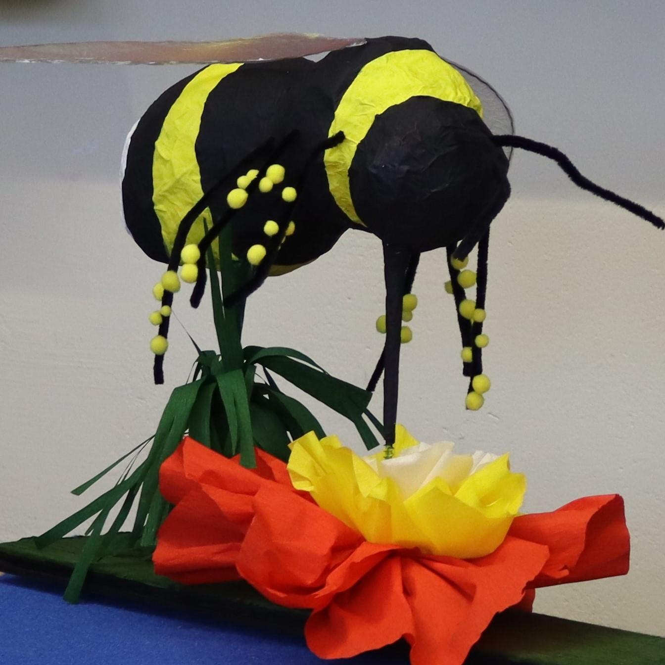 Modell Biene_Jahresauftrag Wiese und Insekten